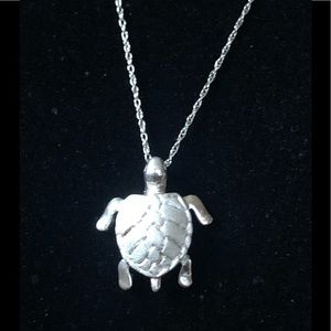 Sterling silver Hawaiian Turtle pendant
